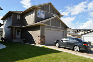 1687' 110 McBeth Cres, Stonebridge; Excellent Circle Dr. Access!