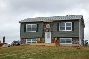 3 BD/AMAZING VIEWS OF MINAS BASIN/RENOVATED IN WOLFVILLE RIDGE