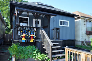 COZY COTTAGE STYLE BUNGALOW - OPEN HOUSE - SUN SEPT 23RD - 2-4PM