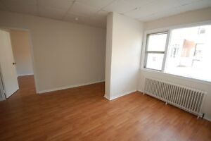 444Rent- Bach & 1Bdrms across from Daltech Avail APRIL/MAY!