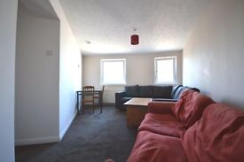 STUDENTS: Fantastic 4 bed HMO flat with WiFi in Newington available September