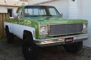 1976 Chevrolet C/K Pickup 2500 Scottsdale Pickup Truck
