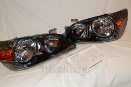 + NEW GENUINE JDM Lexus Black Headlamps   IS200   Toyota Altezza