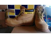 Cat boots size 38 large 5 ex condition