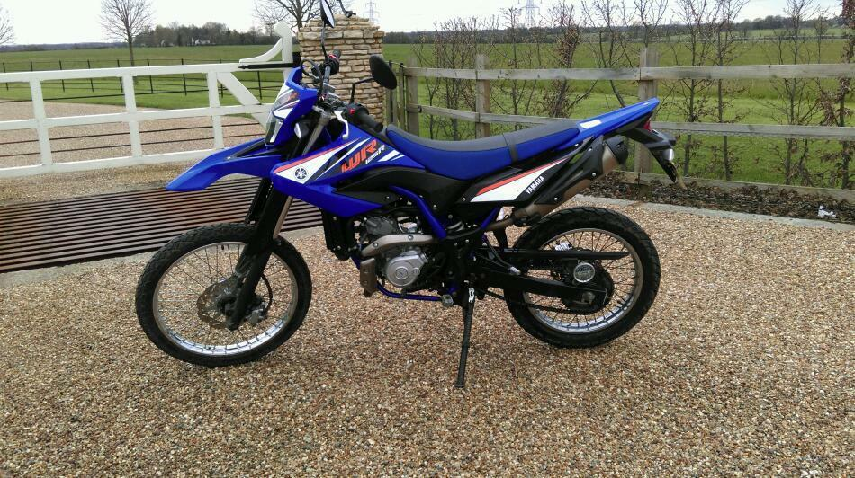 yamaha wr125 r 3150 miles blue black wr 125 2011 in much hadham hertfordshire gumtree. Black Bedroom Furniture Sets. Home Design Ideas