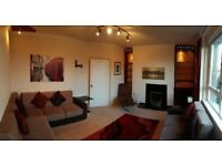 Lovely and bright, top floor flat, Glasgow West End / Anniesland - Available NOW