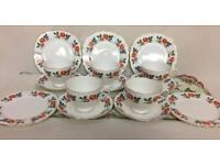 VINTAGE CROWN ROYAL BONE CHINA ROSES TEA SET AFTERNOON TEA WEDDING