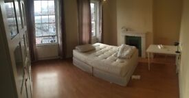 Double room close to limehouse 165 pw