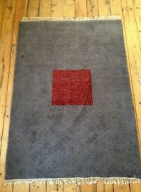 Beautiful Large Wool Rug 200cm x 140cm