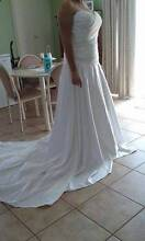 IVORY WEDDING DRESS Geraldton Geraldton City Preview