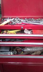 4 foot tall tool box with tools Peterborough Peterborough Area image 2