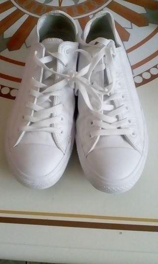 white converse 1c80a1079