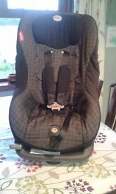 Britax Renaissance Group 1 Car seat. Front facing. Suitable for ages 9 months to 4 years.