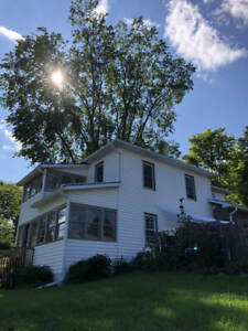 Country village Home in Calabogie available to June 1st