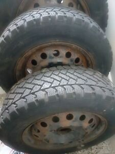 Buy wheels not just tires! 4x Pacemaker 195 65 15  rims 5x114.3
