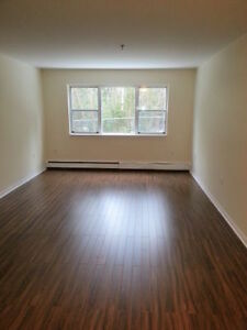 BEAUTIFUL RENOVATED 2 BEDROOM IN SPRYFIELD  SEPT. 1ST/OCT. 1ST