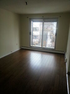 DARTMOUTH WATERFRONT RENOVATED 1 BEDROOM WITH BALCONY