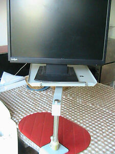 Very strong solid rotating metal table, for screen. Phone or any West Island Greater Montréal image 3