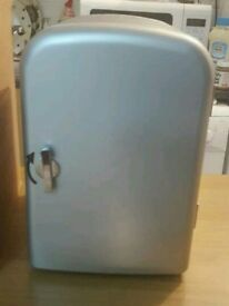 Mini cooler / warmer Excellent condition