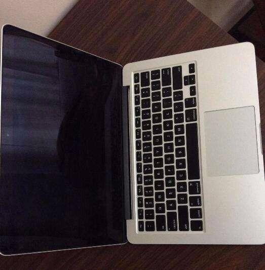 Macbook pro 13 inch retina (late 2013 model) 8mb 512gb
