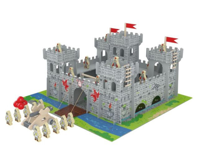 Brand New Wooden Castle with 30 Pieces