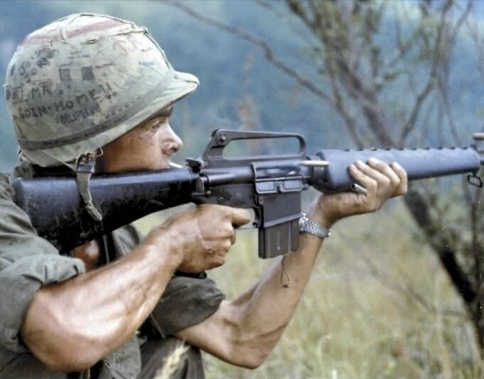 "U.S. Soldier firing on Viet Cong occupied area 8""x 10"" Vietnam War Photo #40"