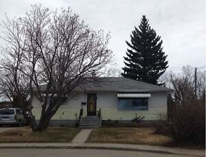 2 Bed 1 Bath Main Floor on 3915 40A Ave. Has Garage, Allows Pets