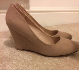 Women's shoes - nudge wedges - size 4 - unworn