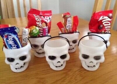 Halloween 12 X Mini Skull Candy Pots - Great Fun For Kids Party Tables - New (Table Decorations For Halloween Parties)