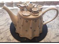 J&G Morten 1987 Teapot