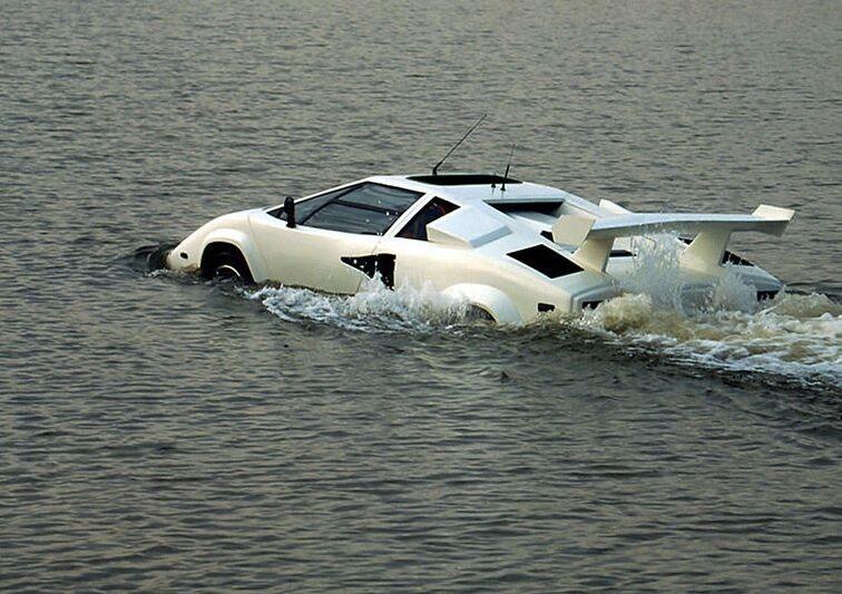 Ein Lamborghini für die Straße und den See