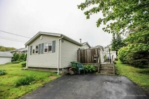 2 BEDROOM HOUSE NEWLY RENOVATED CLOSE TO BURNSIDE