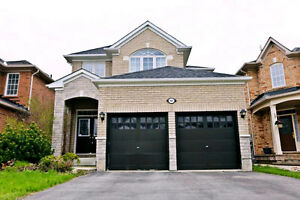 Richmond Hill House for rent near lake
