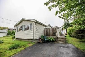 Cute updated Bungalow on a cul de sac and close to burnside