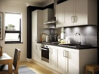 Freshly renovated 4-bed - New Kitchen New Bathroom White Walls - Derbyshire Hill, St Helens WA9