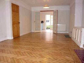 Spacious 3 bed house to rent in Florence Park £1,300pcm Cowley, Oxford