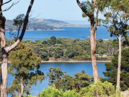 Stunning large  plot of land with great views in Nubeena