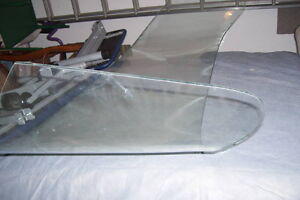 LATE 1950S FORD CAR WINDSHIELD CLEAR WITH SLIGHT TINT London Ontario image 9