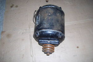 1/2 HORSE ELECTRIC MOTOR 110 OR 220 INDUSTRIAL WITH OILER London Ontario image 1