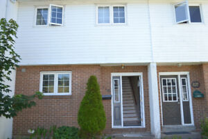 Room for Rent:390!! Near Avalon Mall and MUN!!!