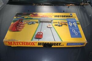 1965? MATCHBOX  MOTORWAY #12  MOTORIZED PLAYSET TRACK