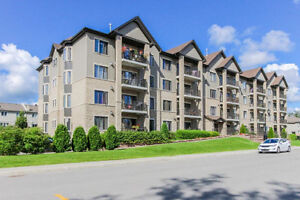 PIERREFONDS - LUXURIOUS CONDO - 2 Bedrooms - Appliances Included West Island Greater Montréal image 1