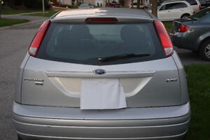 2005 Ford Focus ses zx5 Hatchback London Ontario image 5