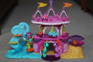 Lala loopsie mermaid and seahorses plus sea castle