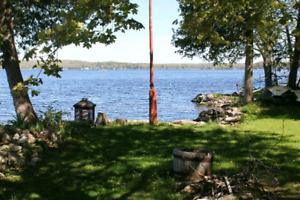 All season cottage rental on Crowe Lake