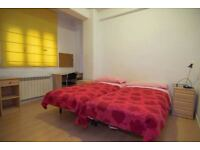 Finally back on market ! STUNNING TWIN / DOUBLE Room in ZONE 1 ! Go for it !