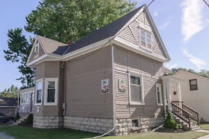 LEGAL DUPLEX BEING USED AS A STUDENT RENTAL