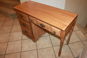 BeautifulRealSolidMapleWood VintageDesk, excellent condition