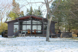 Spend Christmas in cottage on Lake Huron near Bayfield