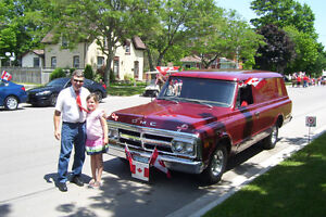 RENT A REALLY NEAT VINTAGE RIDE FOR YOUR SPECIAL DAY London Ontario image 9